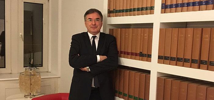 Fachanwalt für Arbeitsrecht Dr. jur. Mark Niehuus